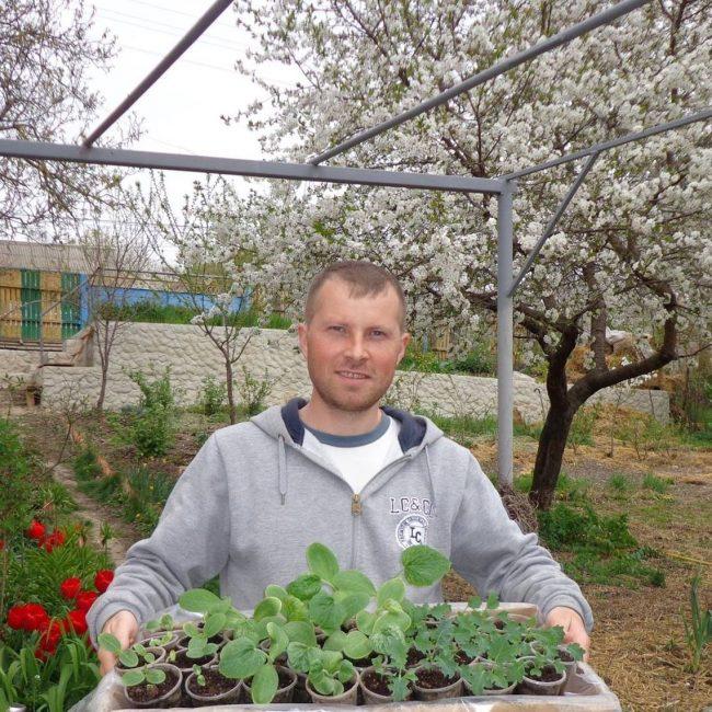 Grădinarul Constantin Furtună. FOTO: Arhivă personală
