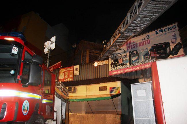 Pompierii au stins focul după 2 ore de când au primit apelul FOTO dse.md