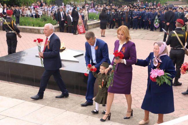 Bașcanul Găgăuziei, Irina Vlah, alături de locuitorii din Comrat FOTO Arhiva personală/Facebook