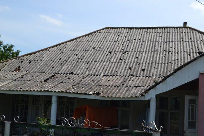 Acoperiș, afectat de grindină Sursa foto.