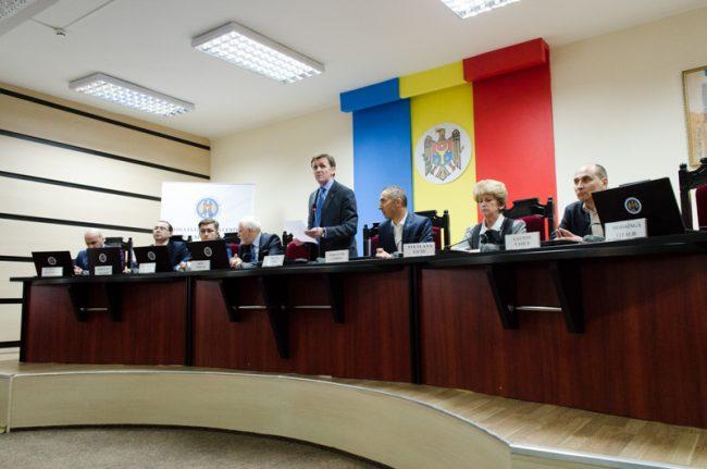 Mandatul fostei componențe a CEC a expirat pe 11 februarie 2016 FOTO Sandu Tarlev
