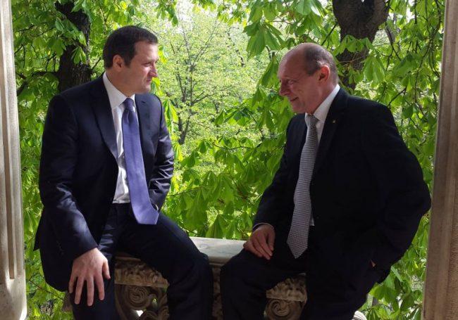 Vlad Filat s-a bucurat de simpatia și susținerea fostului președinte român Traian Băsescu. Sursa foto.