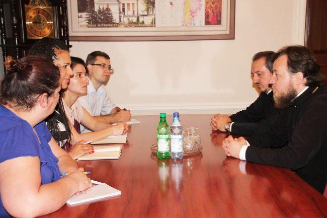 Rita Izsak-Nadiayne, la întrevederea cu reprezentanții Mitropoliei Moldovei Sursa foto.
