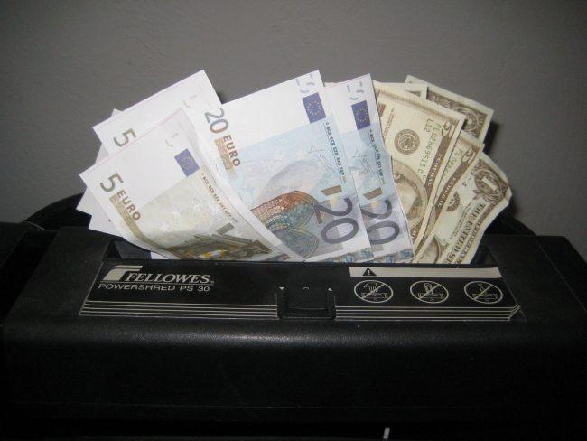 Evoluțiile de pe piața valutară Sursa FOTO: morguefile.com