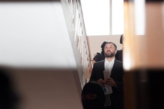 Vlad Filat dus în sala de judecată, 27 iunie 2016 FOTO: Sandu Tarlev