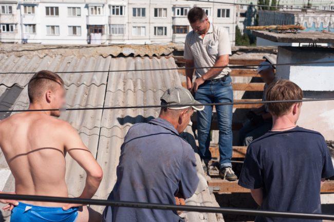 Deținuții pot munci pe șantierele de construcții. FOTO: Sandu Tarlev