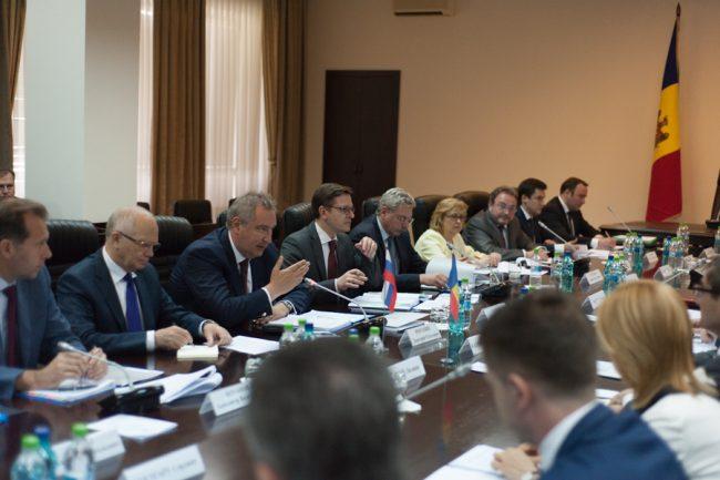 Întrevederea dintre Rogozin și Calmîc FOTO Sandu Tarlev