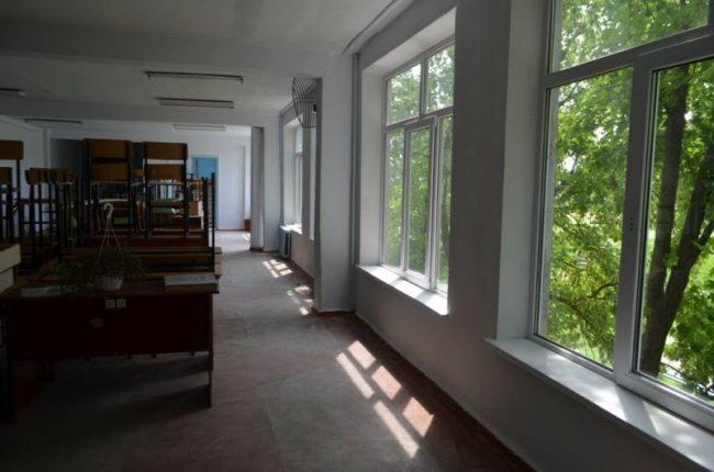 Sală de studii într-o școală din Moldova