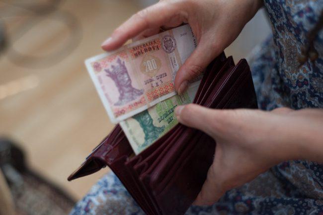 Piaţa valutară internă va fi stabilă FOTO: Sandu Tarlev