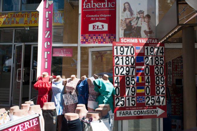 Dolarul s-ar putea deprecia în urma creșterilor de remiteri bănești FOTO: Sandu Tarlev