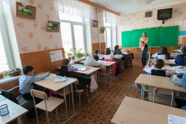 Câteva zeci de școli cu predare în limba rusă au fost închise într-un deceniu FOTO: Sandu Tarlev