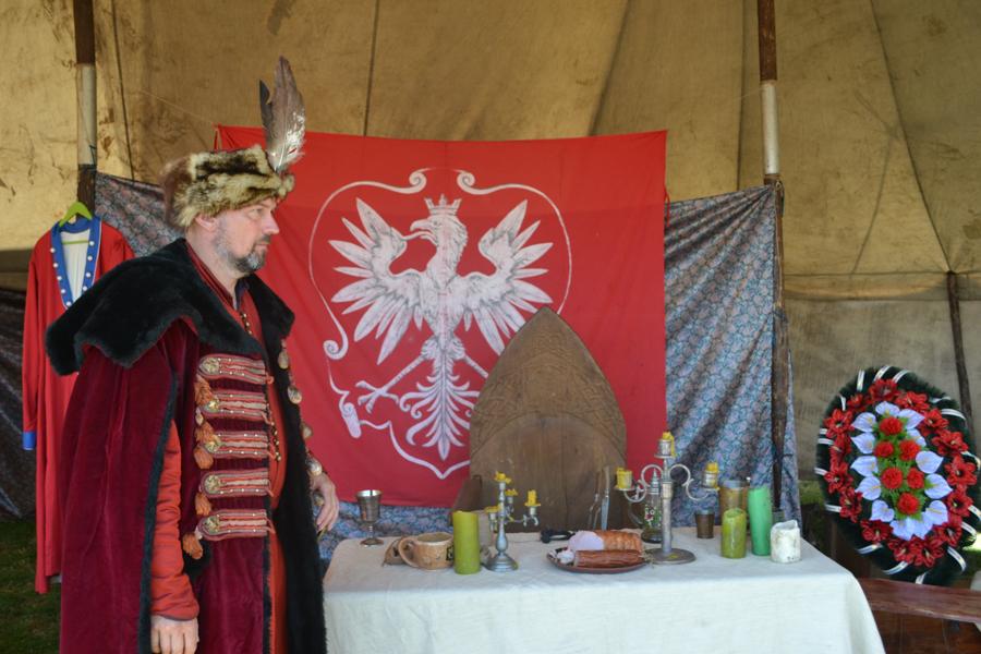 O masă din cortul polonezilor din preajma cetății. FOTO Tatiana Mitrofan