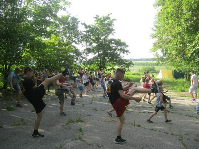 """Tabăra de vara """"YMCA-Voievod Moldova 2016"""", pe malul iazului din s. Ivancea, r-ul Orhei."""
