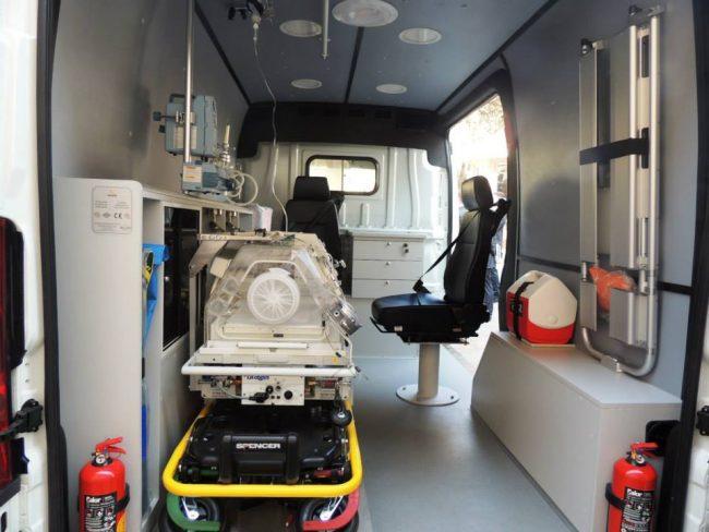 Interiorul unei ambulanțe cumpărate pe vremea ministrului Andrei Usatîi FOTO MS