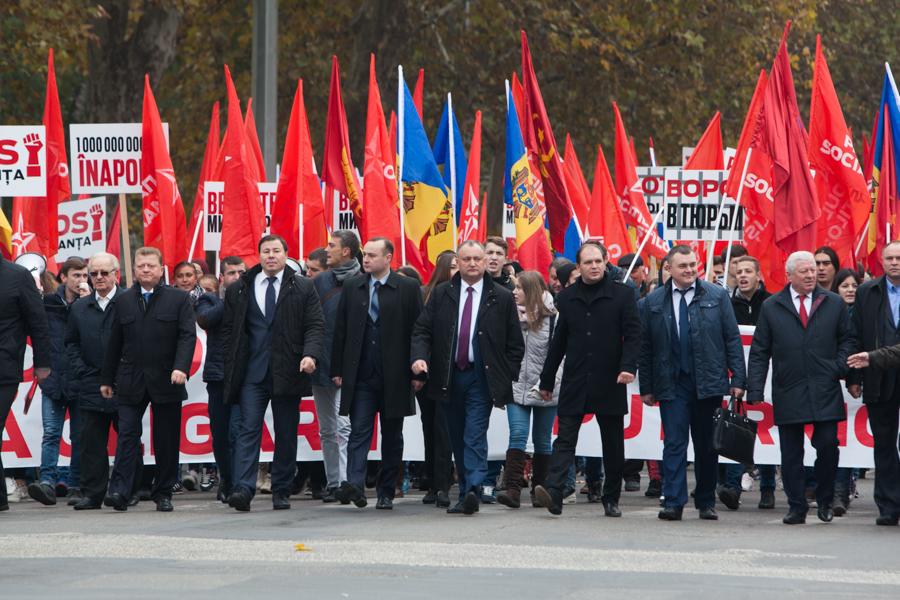 Liderii socaliștilor de la Chișinău, în frunte cu Igor Dodon FOTO Sandu Tarlev