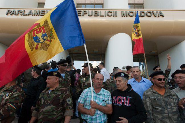 protest-parlament