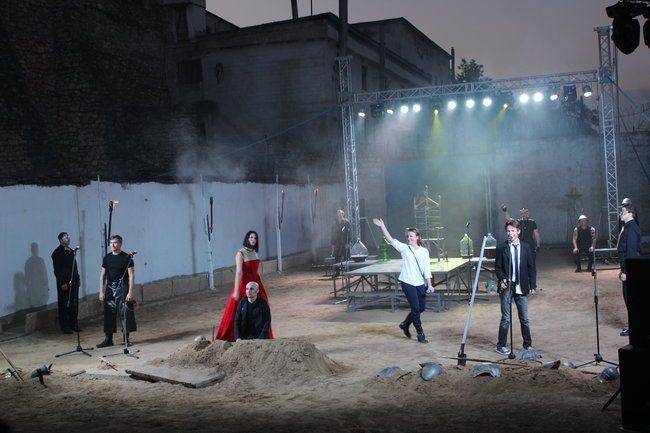 Spectacolul a fost prezentat în curtea penitenciarului nr.17 din orașul Rezina. FOTO: DIP