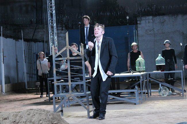 Mihail în rolul regelui Claudius. FOTO: DIP