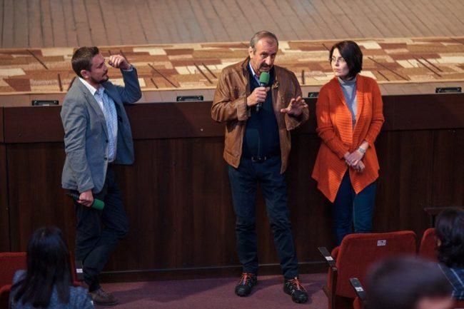 """Dumitru Marian, Victor Purice și Cornelia Chelmu, după proiecția documentarului """"Cinema, mon amour""""Sursa foto"""">"""