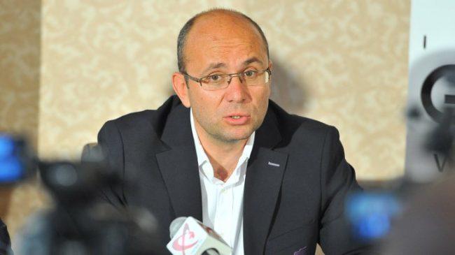 Consultantul politic Cozmin Gușă.