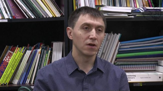 Directorul Centrului de Informare și Documentare privind Drepturile Copilului din Moldova, Cezar Gavriliuc.