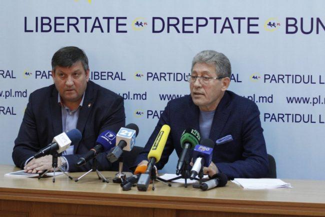 Iurie Chirinciuc, alături de Mihai Ghimpu FOTO profil Facebook/MIhai Ghimpu