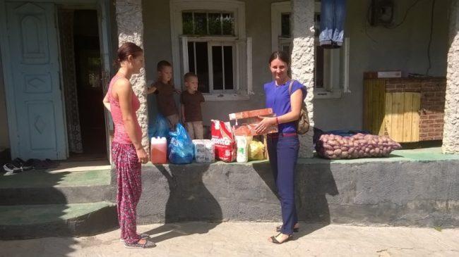 Familia Mardari luptă cu sărăcia pentru nu se despărți de copii FOTO: Galina Munteanu
