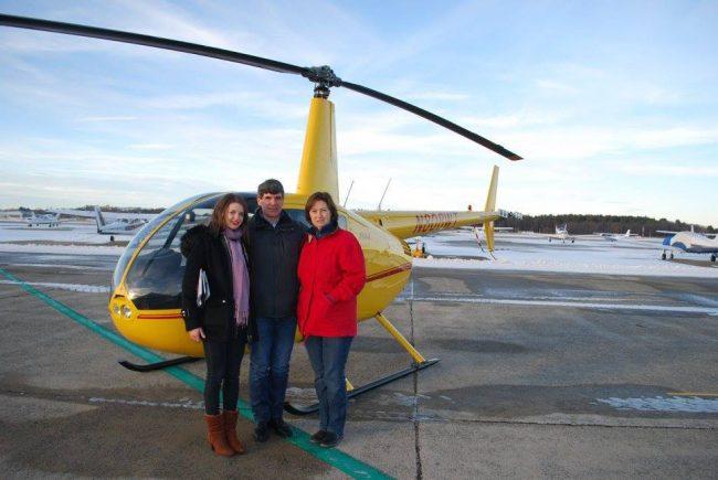 Pilotul, alături de soția sa Ludmila și fiica Cristilena, în Boston FOTO Arhiva personală