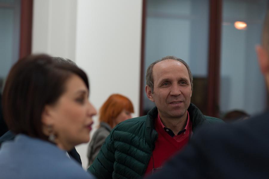 Pictorul și scenograful Iurie Matei. FOTO Sandu Tarlev