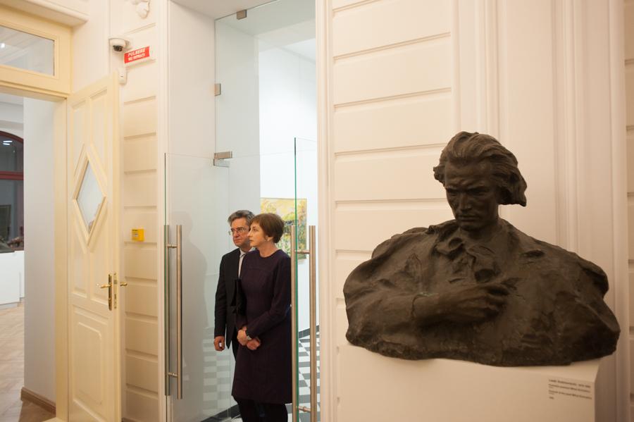 Intrarea în muzeu. FOTO Sandu Tarlev