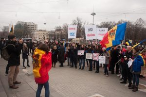 Protest anti-Dodon în Piața Marii Adunări Naționale
