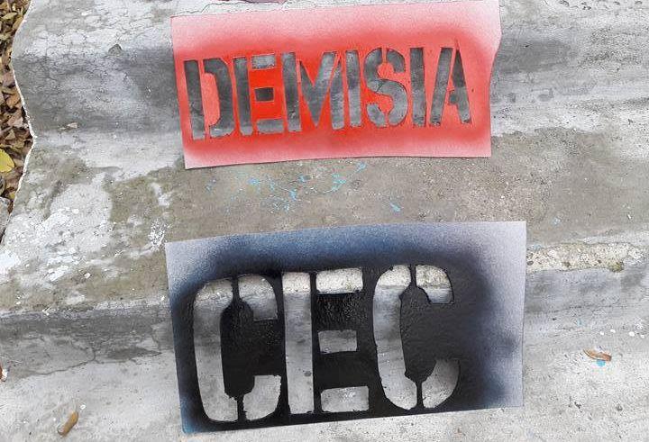 Mișcarea civică Tinerii Moldovei va cere demisia președintelui CEC FOTO Facebook