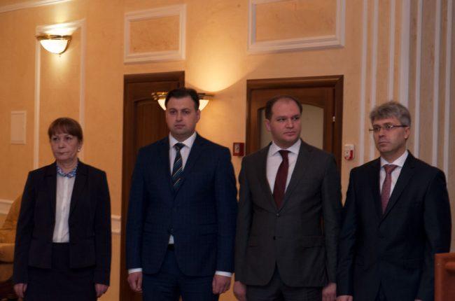 Consilierii Elena Gorelova, Maxim Lebedinschi, Ion Ceban și secretarul general Ruslan Flocea FOTO Sandu Tarlev