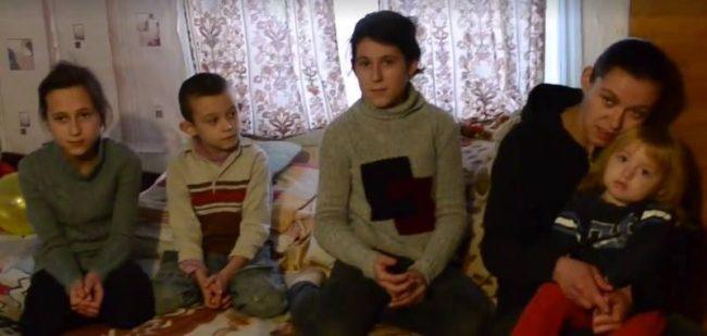 Copiii Svetlanei Jereghea, în așteptarea lui Moș Crăciun