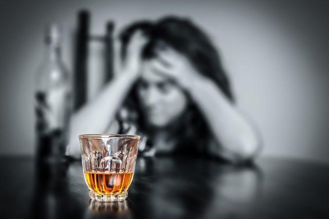 Alcoolul ar fi putut s-o lase fără copii pe o mamă din Sângerei Poză simbol Sursa FOTO: www.curcumin95.ro