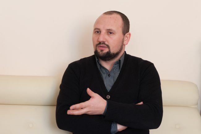 """Roman Țabur, președintele profesorilor sindicaliști de la liceul """"Spiru Haret"""" FOTO: Sandu Tarlev"""