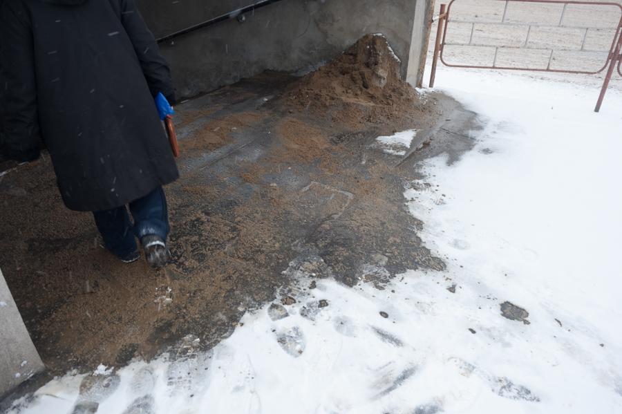 Intrare în trecere subterană FOTO: Sandu Tarlev
