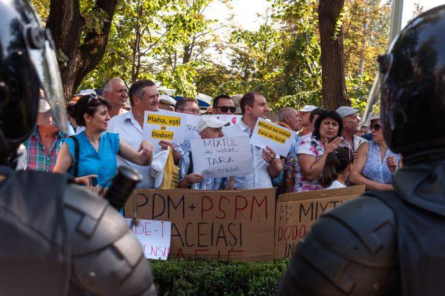 protest-parlament-votul-mixt-2