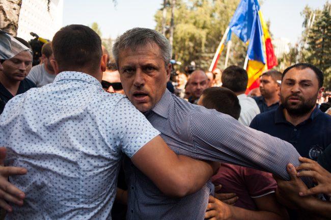 protest-parlament-votul-mixt-24