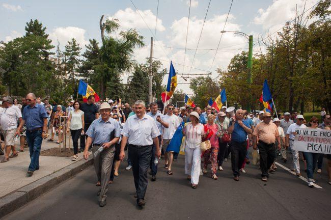 protest-parlament-votul-mixt-37