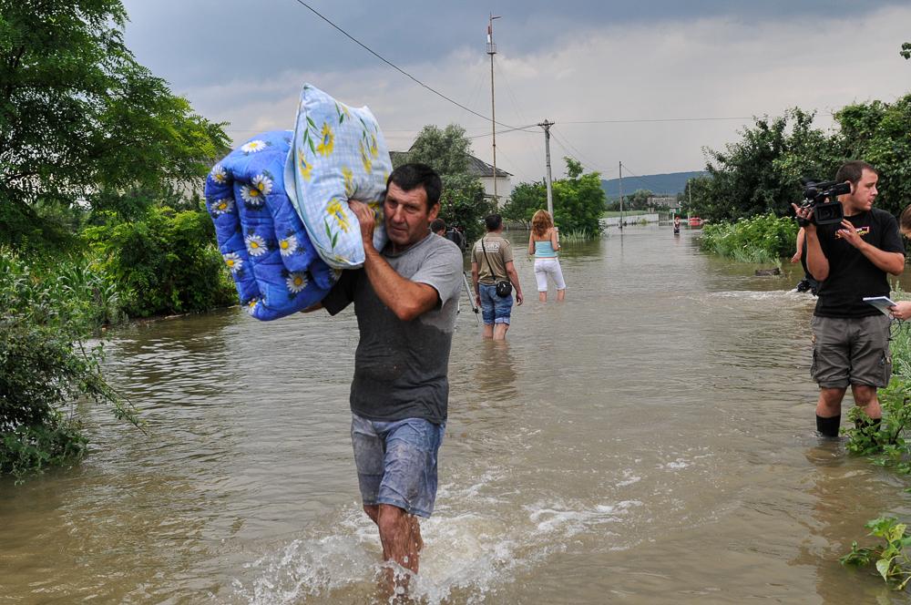 inundatii nemteni